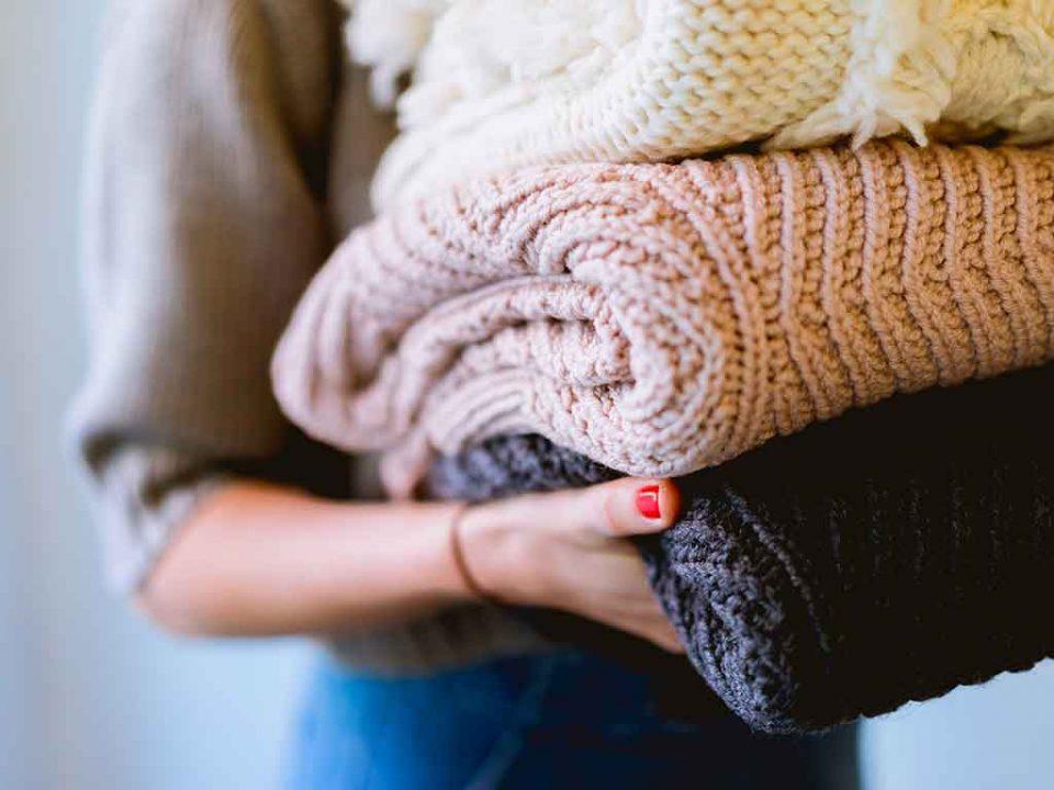 cómo lavar la ropa para eliminar el coronavirus